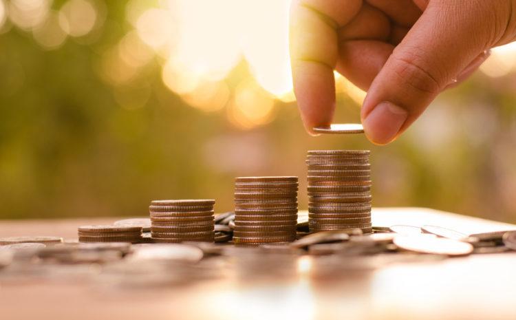 De scăderea cheltuielilor statului se preocupă cineva?